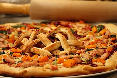 Thanksgiving dinner pizza